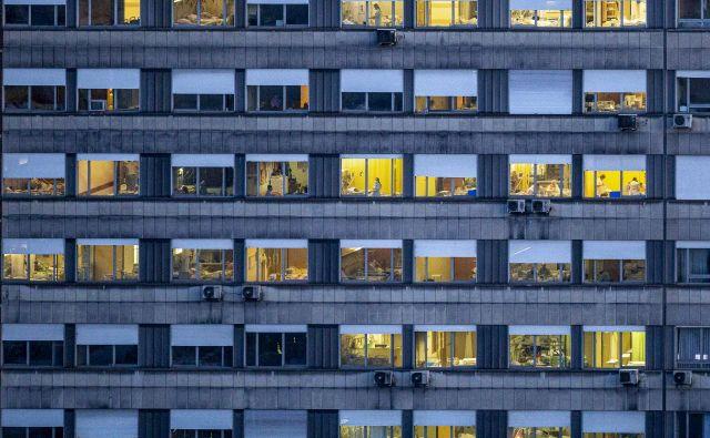 62.650 državljanov je do 3. septembra prejelo odločbo o karanteni FOTO:Voranc Vogel/delo