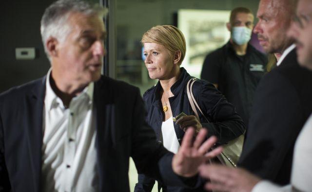 Aleksandra Pivec vztraja, da lahko o njeni funkciji odloča kongres, sama ne bo odstopila. FOTO: Jure Eržen/Delo