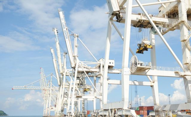 V Koper bodo zbirni kontejnerji prišli tudi iz Indije, Tajske in Vietnama. FOTO: Cargo-partner