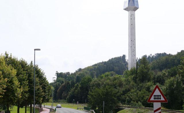 Tak bi bil pogled ob vstopu v Rogaško Slatino na stolp, manjka pa še vizualizacija 182-metrskega nadhoda nad cesto. FOTO: arhiv občine Rogaška Slatina