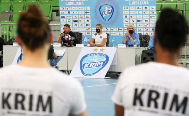 Predstavitev Krima Mercatorja je potekala po strogih zdravstvenih standardih EHF in navodilih NIJZ. FOTO:Marko Feist