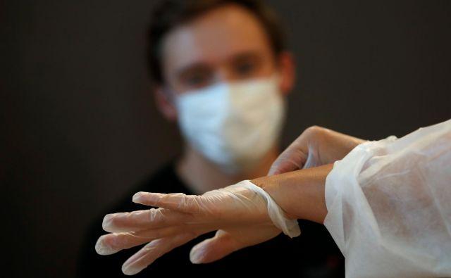 Imamo več potrjenih okužb, a opravili smo tudi več testov.FOTO: Gonzalo Fuentes/Reuters