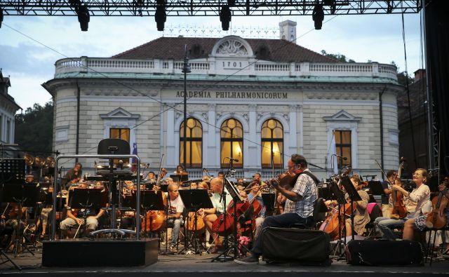 Vse očitke o domnevnih nezakonitostih v Slovenski filharmoniji vršilec dolžnosti direktorja Matej Šarc odločno zavrača. FOTO: Jože Suhadolnik/Delo