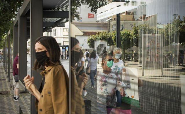 V Pivki so začasno prepovedali športne in kulturne prireditve v zaprtih prostorih ter uporabo špoirtnih objektov. FOTO: Jure Eržen/Delo