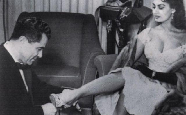 Pred nogami ji je ležala Italija, Evropa, Hollywood, svet. Sophia Loren, le kdo bi se ji lahko uprl? FOTO: Dokumentacija Dela