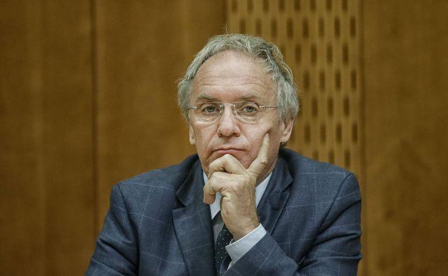 Aleš Hojs: en policijski sindikat ga podpira, drugi mu očita izsiljevanje in ustrahovanje. FOTO: Blaž Samec/Delo