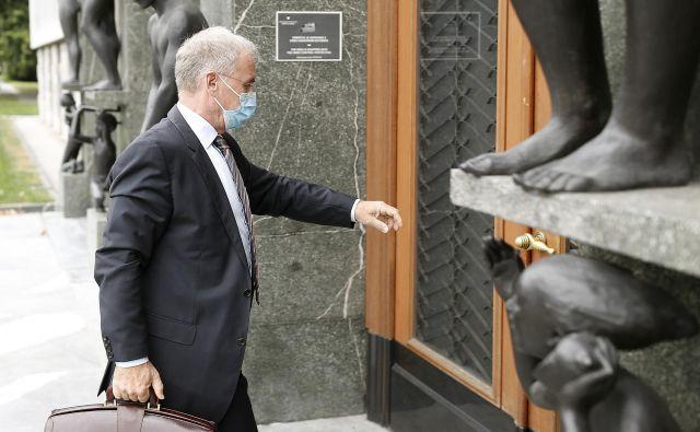 Notranji minister Aleš Hojs. FOTO: Blaž Samec/Delo