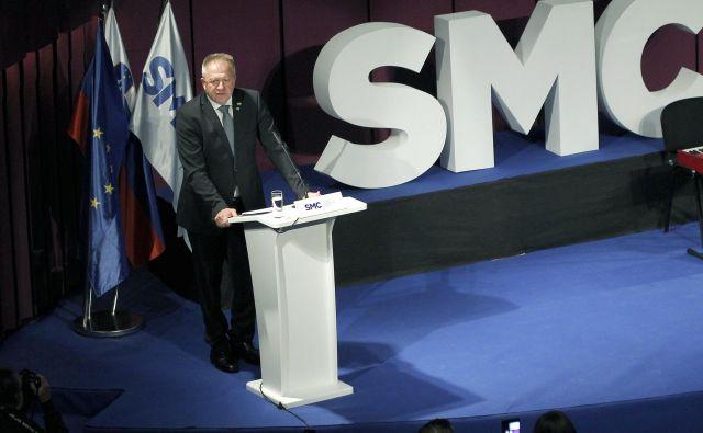 V javnomnenjskih anketah se po tem, ko je vodenje SMC prevzel Zdravko Počivalšek, ni veliko spremenilo. Se je pa sam znašel v preiskavi.<br /> FOTO: Mavric Pivk/Delo