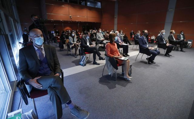 Poslovna konferenca Izvozniki 2020 poteka ob upoštevanju strogih ukrepov NIJZ za omejevanje okužb. FOTO: Leon Vidic/Delo
