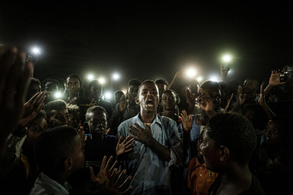 FOTO:Zgovorna in pretresljiva pričevanja nemirnega sveta
