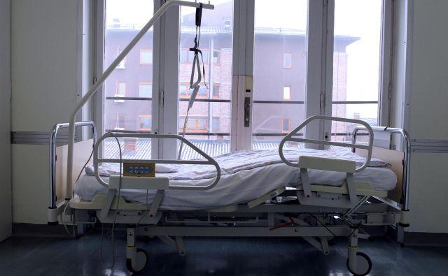 Prejšnji teden je bilo potrjenih največ okužb doslej, tako po svetu kot v Sloveniji. FOTO: Blaž Samec