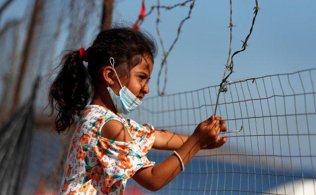 Niti nov sistem ni jamstvo, da se na zunanjih mejah ne bi ponavljala katastrofa, kot je bila zadnja leta Moria na grškem otoku Lezbosu, ko ljudje ne morejo ne naprej ne naza.FOTO: Yara Nardi/Reuters