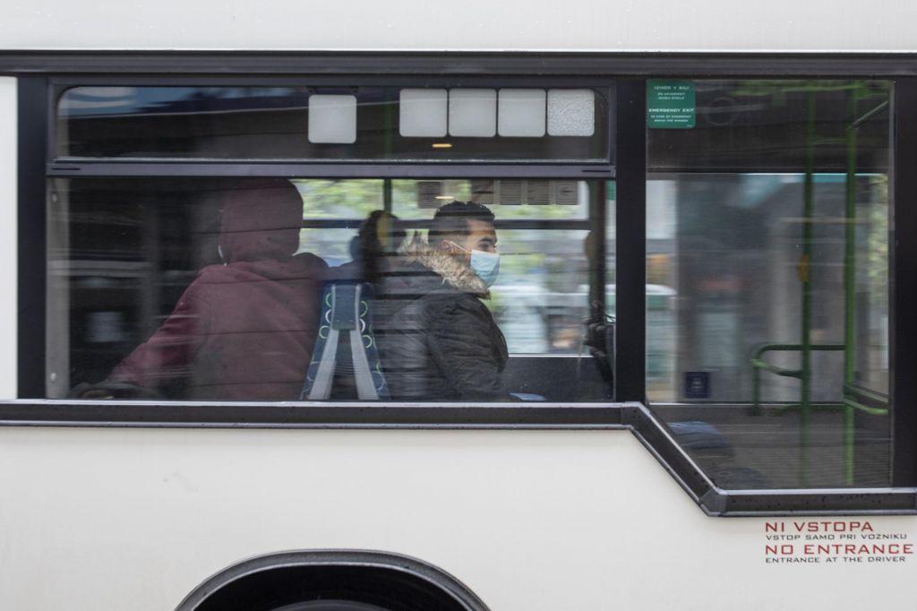 Policista na Vranskem nista vedela, da je dekle na avtobusu mladoletno