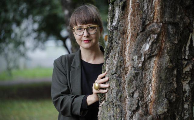 Jasmina Jerant vodi feministično turo po mestu. Foto Uroš Hočevar