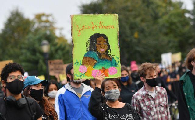 Demonstracije zaradi smrti Breonne Taylor v Brooklynu. FOTO: Angela Weiss/AFP