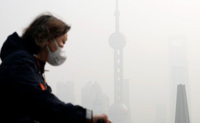 Zaradi velike količine delcev PM2,5 v ozračju vsako leto umre 2,2 milijona Kitajcev. FOTO: Aly Song/Reuters