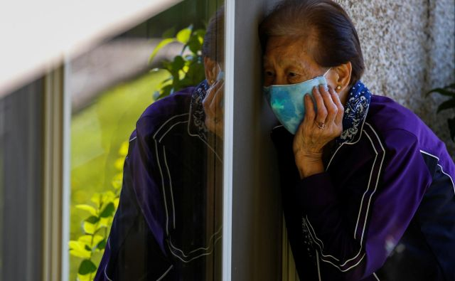 Dve skrajni verziji odzivov na državni ravni predstavljata<em> </em>odgovor na Kitajskem <em>red-in-disciplina</em> ter odgovor v ZDA <em>kar-bo-bo</em>. FOTO:Lindsey Wasson/Reuters