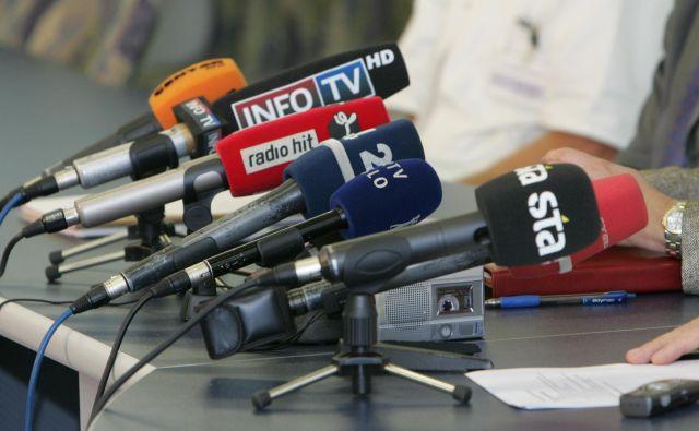 Poslanci Levice, LMŠ, SD in SAB so se že pred glasovanjem v skupni izjavi izrekli proti Cerjakovemu imenovanju v nadzorni svet STA. FOTO: Igor Modic