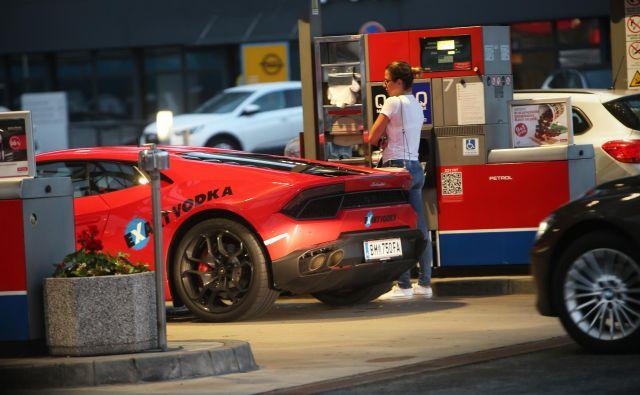 Petrol je največji naftni trgovec v Sloveniji z več kot polovičnim tržnim deležem po številu bencinskih servisov. FOTO: Jure Eržen/Delo