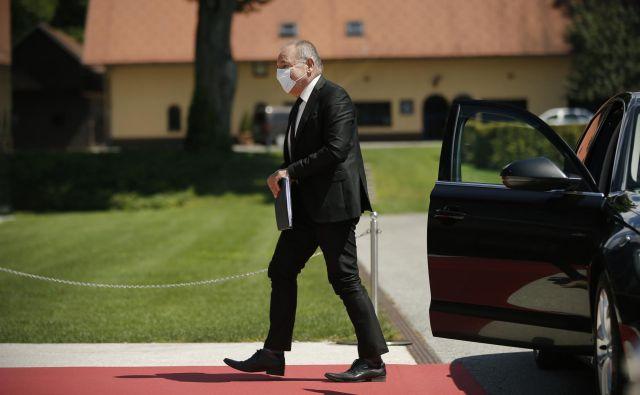 Minister za finance Andrej Šircelj mora paziti, da proračunski primanjkljaj ne bo presegel 4,2 milijarde evrov. Po osmih misecih je že 2,25 milijarde evrov. FOTO: Jure Eržen/Delo