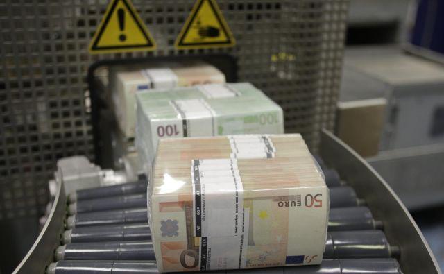 Sanacija posledic epidemije in recesije, s katero se bomo očitno ukvarjali še kar nekaj časa, ne sme biti potuha fiskalno neodgovornim odločitvam. Foto Leonhard Foeger/ Reuters Pictures