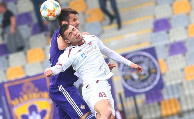 David Tijanić (v belem dresu) je dočakal prvi vpoklic v člansko reprezentanco Slovenije. FOTO: Tadej Regent