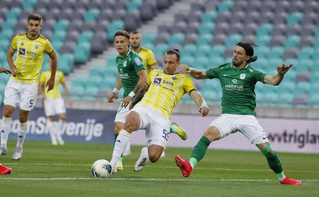 Po dobrih treh mesecih se bosta Maribor in Olimpija znova pomerila v 1. SNL, v 45. derbiju bo gostitelj Maribor, ki je 44. v Stožicah izgubil z 0:1. FOTO: Leon Vidic/Delo