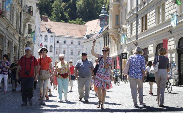 Na padec BDP pri nas vpliva tudi manjši prihod tujih turistov, ugotavlja EBRD. FOTO: Leon Vidic/Delo