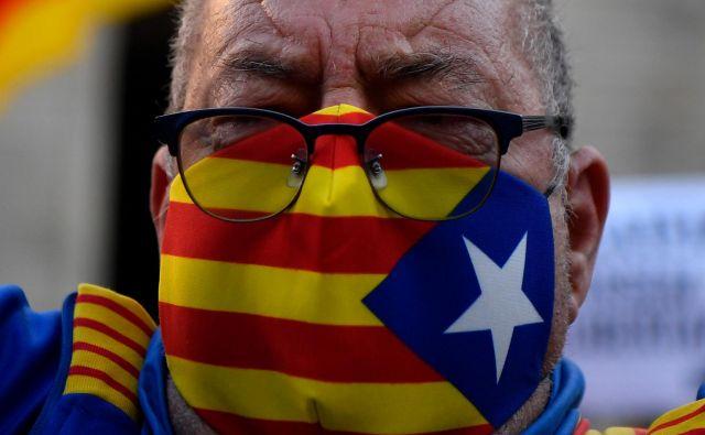 Katalonija se sooča z veliko zdravstveno krizo in zdaj še s politično. Foto Pau Barrena/AFP