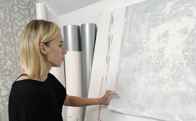Septembra se je z razstavo <em>Efemerna plast</em><em> </em>predstavila v kranjski Layerjevi hiši. FOTO: osebni arhiv