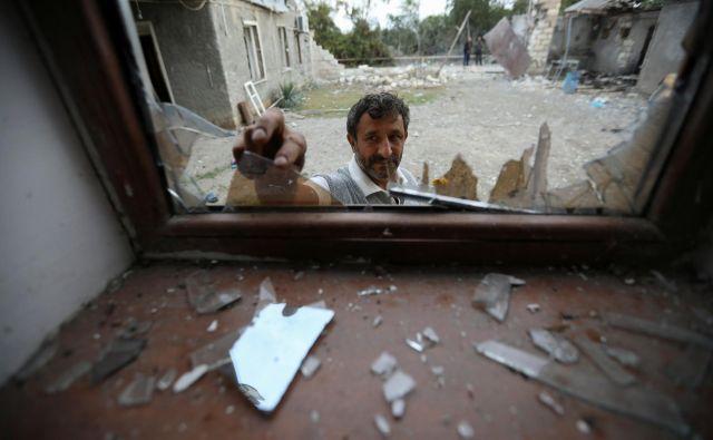 Spopadi med Azerbajdžanom in Armenijo se ne umirjajo.FOTO: Aziz Karimov/Reuters