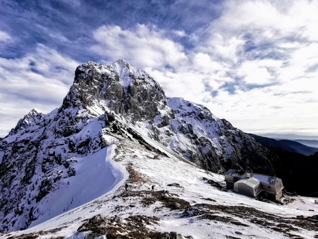 FOTO:V planinskih domovih unovčenih za 761.000 evrov bonov