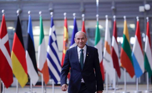 Tudi premier Janez Janša je govoril o zaskrbljenosti zaradi razvoja epidemije v hladnem obdobju. FOTO: Olivier Hoslet/AFP