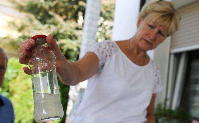 Odplake čistilne naprave podjetja Eternit so prišle v pitno vodo Anhovega in Deskel. FOTO: Marko Feist/Slovenske novice