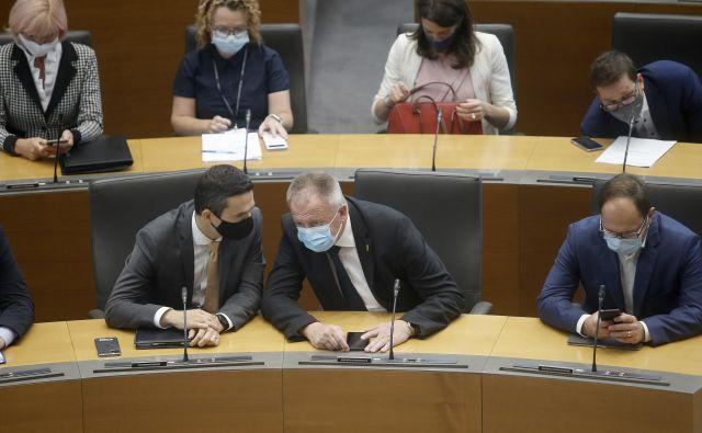 Koalicijski partnerji upajo, da bo Desus ostal trden člen koalicije, ne glede na njihovo notranje dogajanje. Foto Blaž Samec