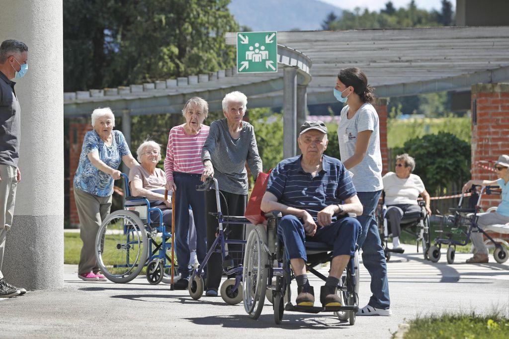 Bo zakon res vrnil dostojanstvo starejšim?