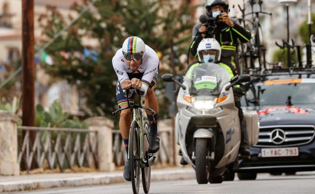 Filippo Ganna je v uvodni vožnji na čas dosegel povprečno hitrost 58,831 km/h. FOTO: Luca Bettini/AFP