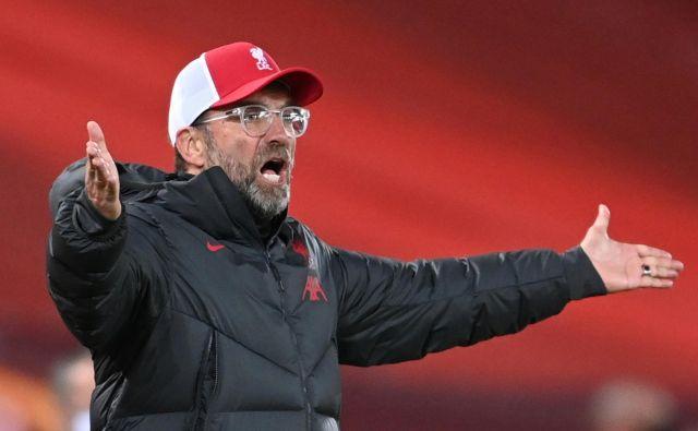 Jürgen Klopp ni mogel verjeti, kaj se dogaja na igrišču. FOTO: Laurence Griffiths/Reuters