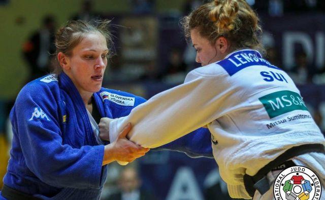 Anka Pogačnik (levo) si je priborila že peto zlato kolajno na turnirjih za evropski pokal. FOTO: IJF