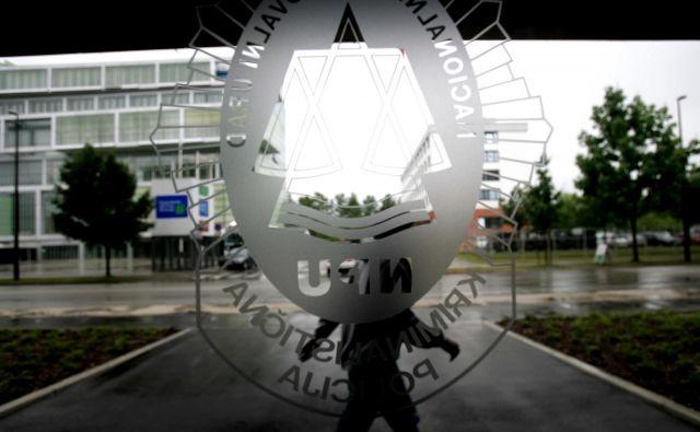 Postopki kriminalistov NPU so še pod nadzorom, ki ga je odredil minister Hojs, poročilo bo sledilo novembra. FOTO: Uroš Hočevar/Delo