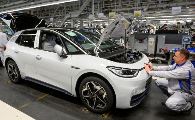 Septembra je bilo zanimanje za avtomobile v Nemčiji po dolgem času znova večje. Foto Matthias Rietschel Reuters