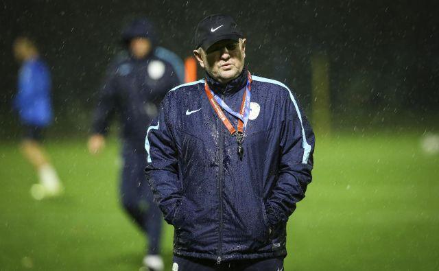 Tudi selektor Matjaž Kek je radoveden, kam ta čas spada slovenska nogometna reprezentanca. FOTO: Jože Suhadolnik