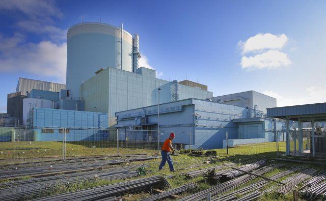 Jedrska elektrarna Krško bo lahko obratovala po 2023 le z novim okoljevarstvenim soglasjem. FOTO: Jože Suhadolnik/Delo
