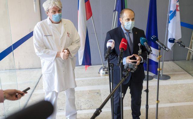 Generalni direktor UKC Ljubljana Janez Poklukar je povedal, da so dosegli zgornjo mejo načrtovanih zmogljivosti v primeru epidemije. FOTO: Voranc Vogel/Delo
