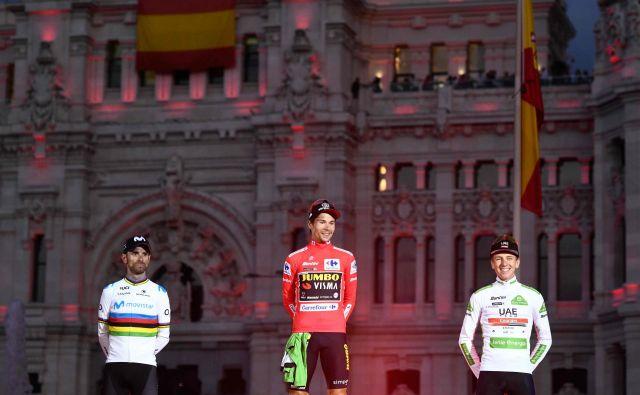 Po besedah moštvenega kolega pri Jumbo Visma Toma Dumoulina bo lanski zmagovalec dirke po Španiji Primož Roglič tekmoval tudi na letošnji Vuelti. FOTO: Oscar Del Pozo/AFP