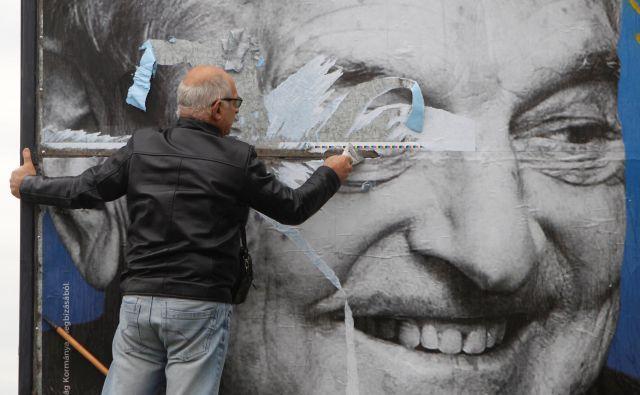 Oblast na Madžarskem že več let vodi kampanjo proti Georgu Sorosu. FOTO: Bernadett Szabo/Reuters