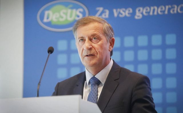 Karl Erjavec na 11. kongresu stranke Desus januarja letos. FOTO: Leon Vidic/Delo