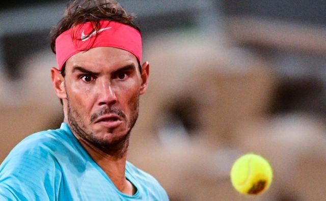 Rafael Nadal je na 100. dvoboju na pariškem pesku vpisal 98. zmago. FOTO: Martin Bureau/AFP