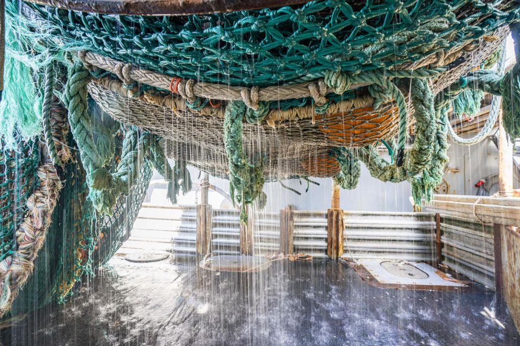 Chipolov obesek iz recikliranih ribiških mrež