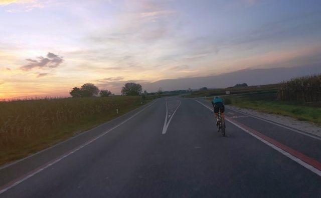 <strong>Stanislav Verstovšek</strong> je s tem postal šele četrti zemljan, ki mu je v 24 urah uspelo prekolesariti več kot 900 kilometrov ter prvi, ki mu je to uspelo na cesti. FOTO:WR24h